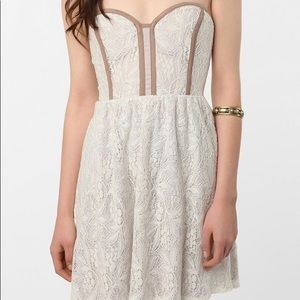 Pins & Needles Lace Sweetheart Strapless Dress